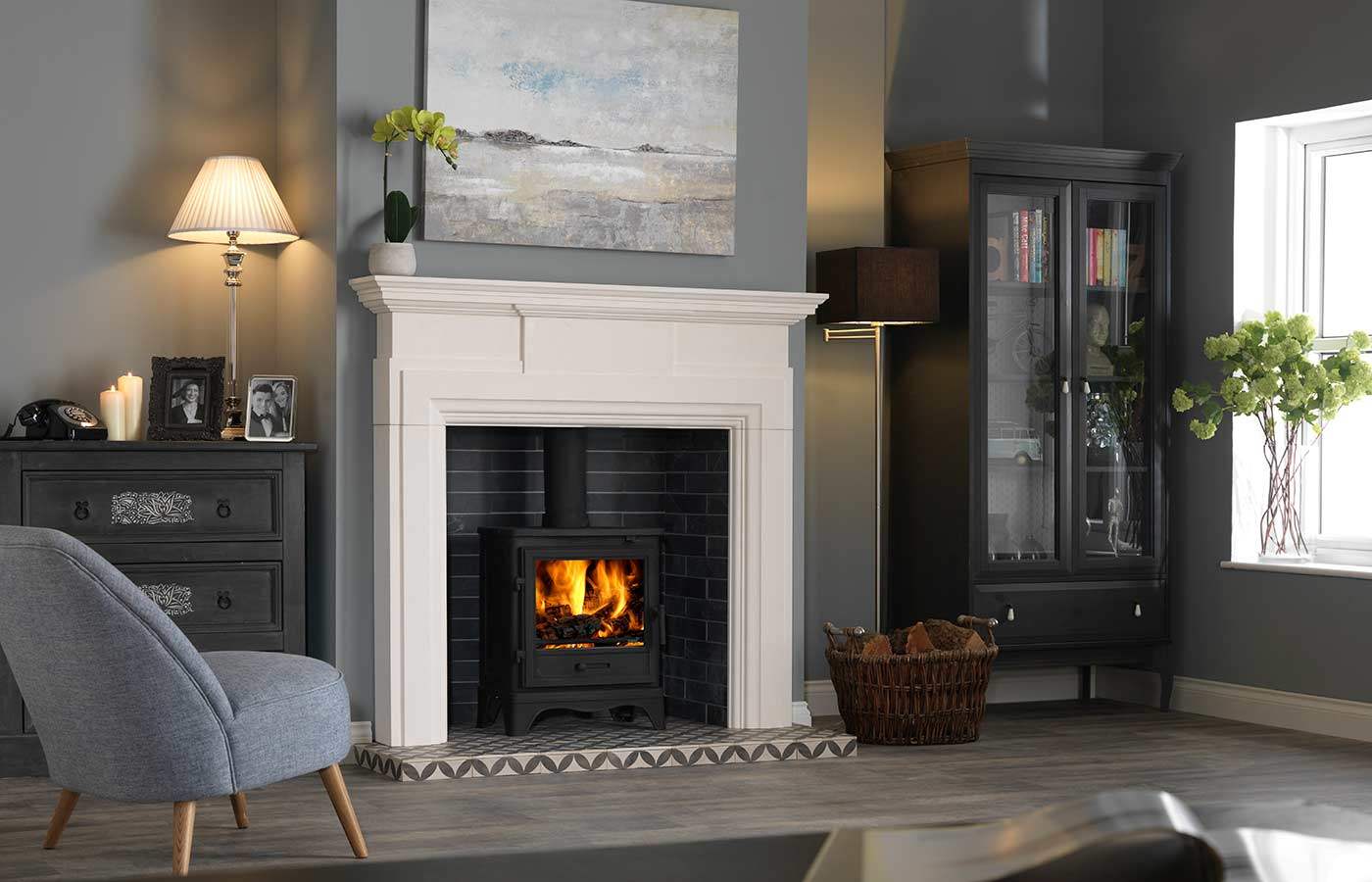 Hadley Mantle with Black Bassington Stove